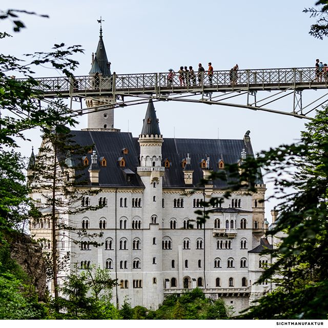 Neuschwanstein Castle and the Marienbridge @fussen.allgau @neuschwanstein.castle